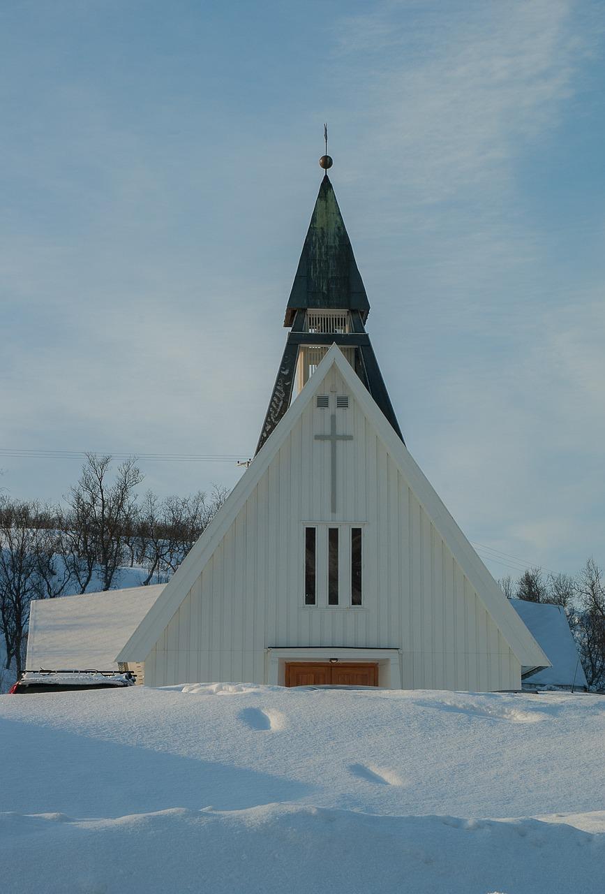 Winter White Weddings Lapland
