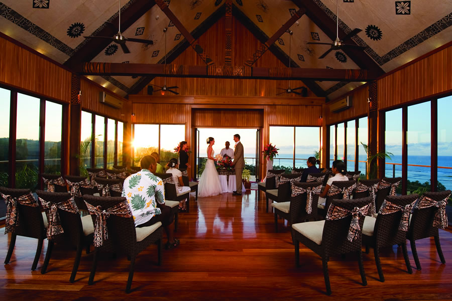 Outrigger Lagoon Wedding Abroad Fiji WeddingsAbroad.com