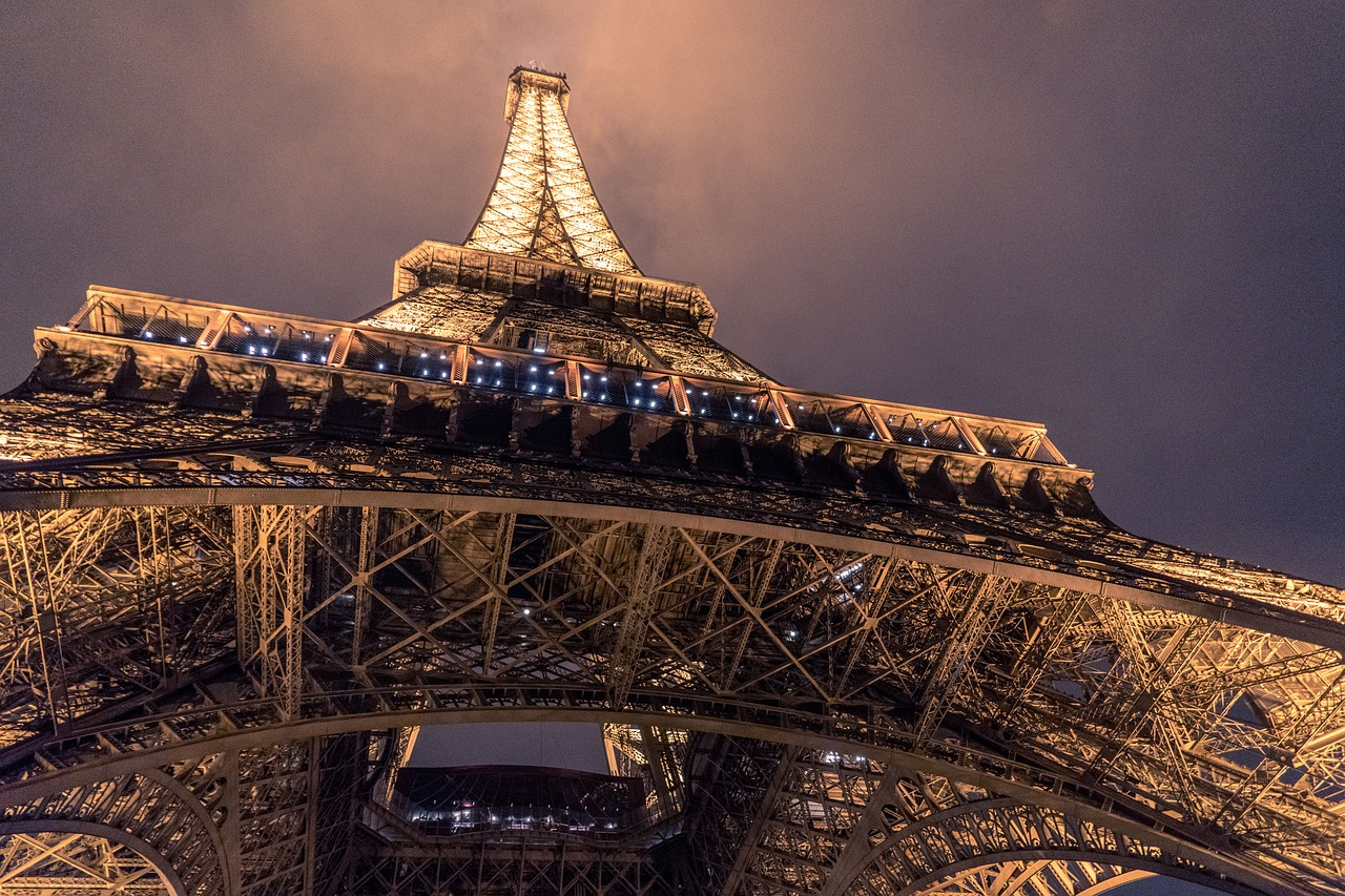 Paris Weddings Abroad Destination Wedding Planner Celebrant Expert WeddingsAbroad.com